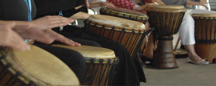 KLANG BILD Referenzen, Trommelgroßworkshop bis 100 Personen bei www.klang-bild.co.at