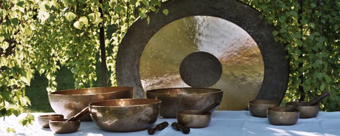 Gong - Klänge, Klangschalen, tiefe Entspannung beim Klangworkshop, Lehrerfortbildung - www.klang-bild.co.at