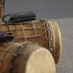Basstrommeln beim Trommelworkshop, Djembekurs bei www.klang-bild.co.at