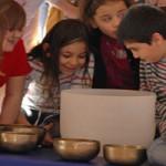 Erlebnis- Klangworkshop Hören Staunen Fühlen - in der Schule bei www.klang-bild.co.at