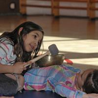 Klangworkshop Hören Staunen Fühlen - in der Schule bei www.klang-bild.co.at
